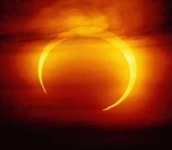images/Moon/sun_ring2.jpg